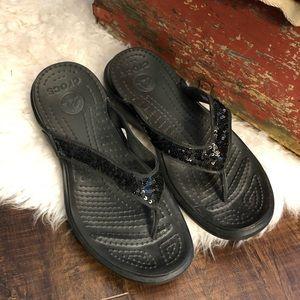 Croc black flip flops sz 8 with glitter